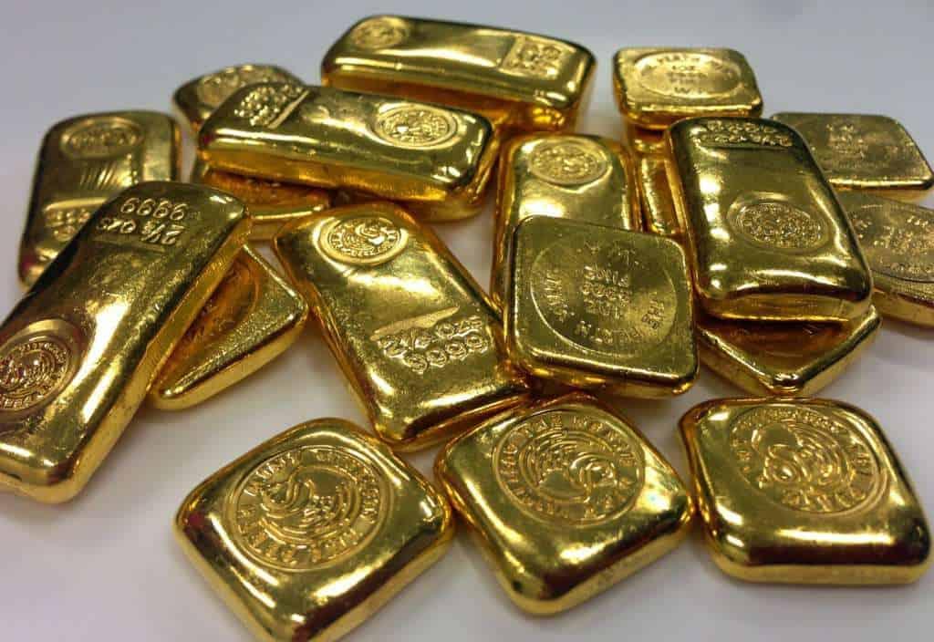 Amas de lingots d'or